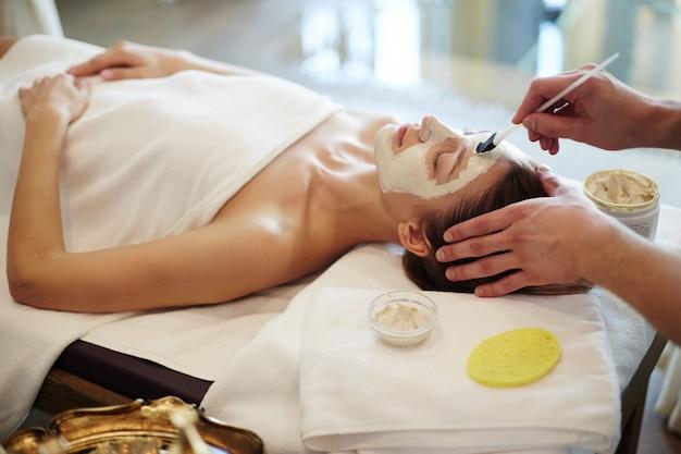 Procédures de soins de la peau dans le spa