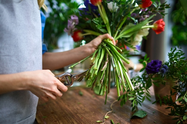 Processus d'arrangement de bouquet