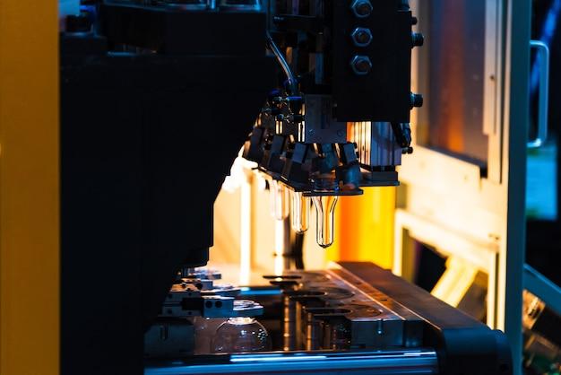 Processus automatique de bouteille de soufflement de machine de soufflage de bouteille d'animal familier / en plastique.