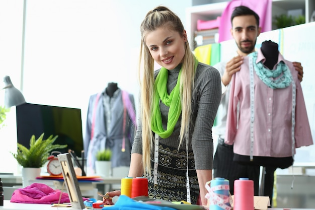 Processus de conception de vêtements création de vêtements élégants