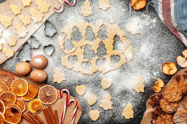 Processus de cuisson des biscuits de pain d'épice se bouchent