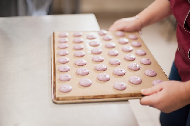 Processus de fabrication du macaron macaron, dessert français,