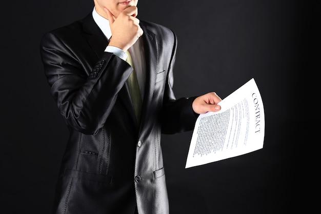 Le processus de signature d'un nouveau contrat commercial