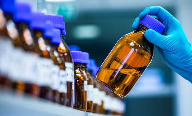 Production de médicaments et de produits pharmaceutiques dans l'industrie pharmaceutique
