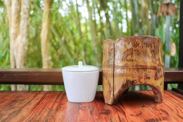 Produit local en bambou à base de bambou