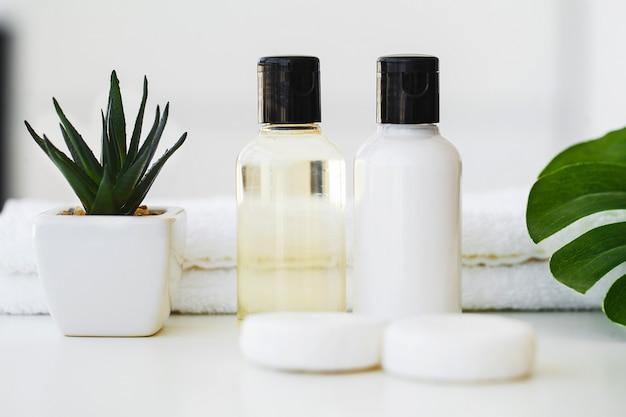 Produits de bien-être et cosmétiques, soins de la peau à base de plantes et minéraux