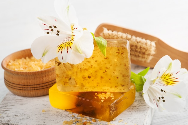 Produits biologiques spa avec sel de bain