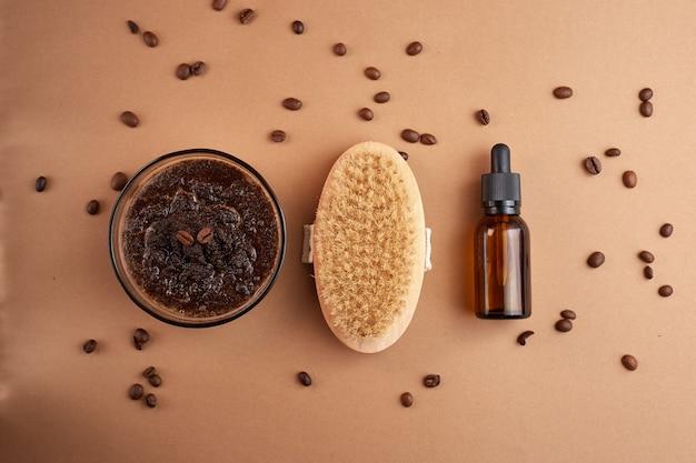 Produits cosmétiques faits maison avec gommage au café et huile. ensemble de produits cosmétiques spa à domicile.