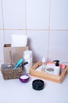 Produits cosmétiques pour le bain. soins spa soins de la peau
