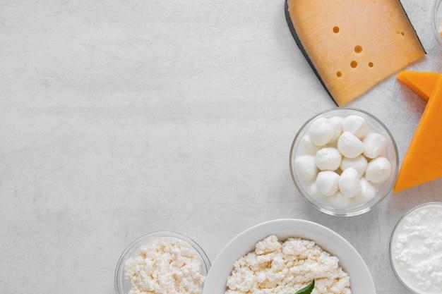 Produits laitiers à plat avec copie-espace