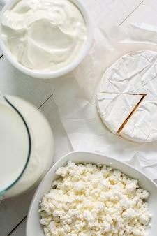 Produits laitiers sur la table