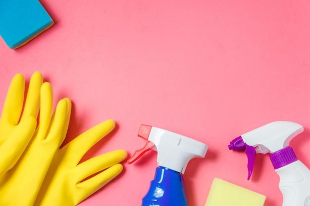 Produits de nettoyage sur rose