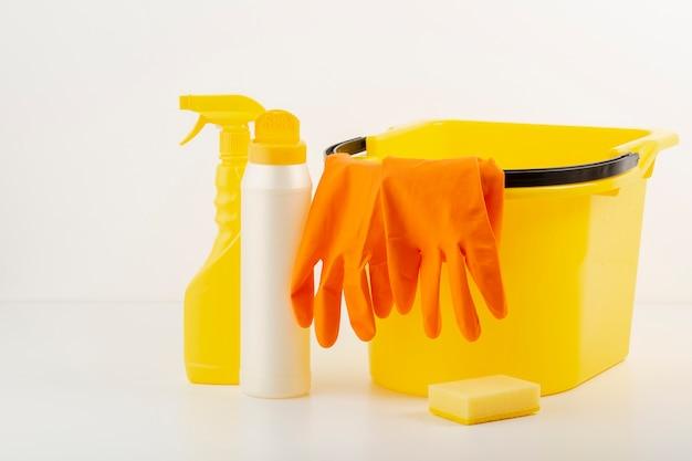 Produits de nettoyage en vue de face