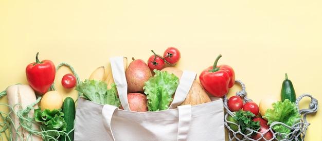 Produits respectueux de l'environnement avec des pots en verre et des sacs en filet