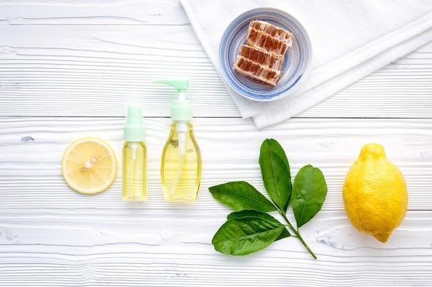 Produits de soin naturels à base de plantes.
