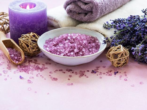 Produits de spa à la lavande