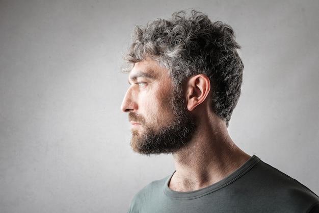 Profil d'un bel homme