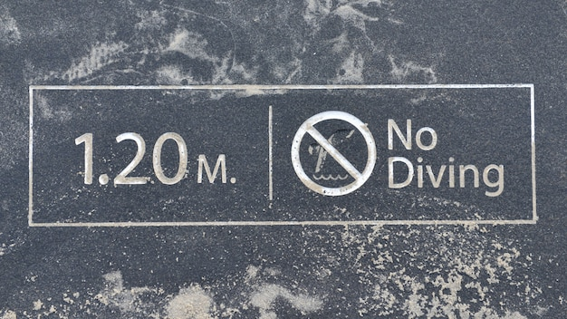Profondeur de l'eau 1,20 mètres, pas de baignade.