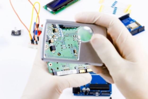Programmation informatique microélectronique
