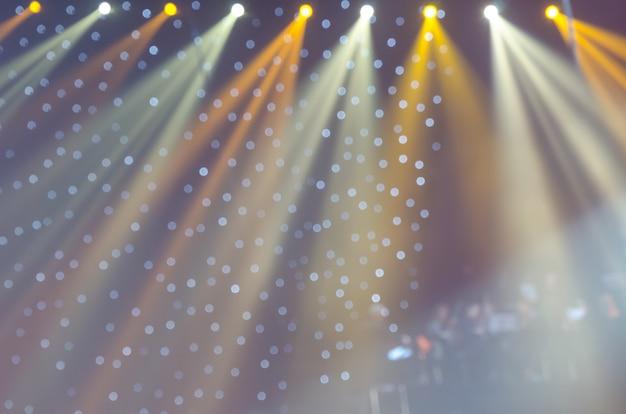 Projecteurs flous et lumières bokeh.