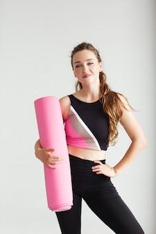 Projectile studio, de, gai, girl, tient, fitness, natte
