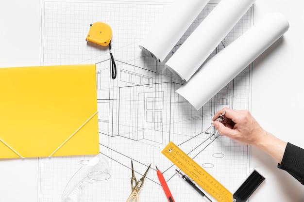 Projet de maison sur papier blanc