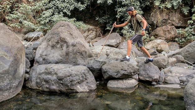 Promenades touristiques sur la pierre