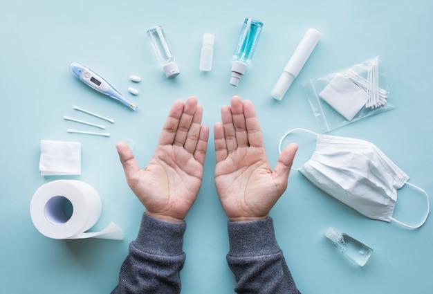 Protégez-vous avec un masque et nettoyez votre main