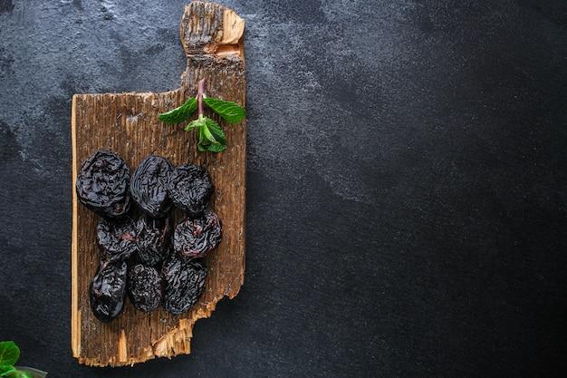 Pruneaux, fond de prunes séchées