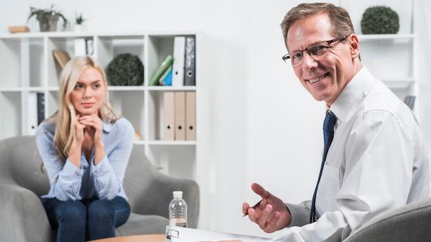 Psychologue avec patient