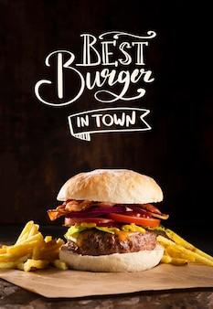 Pub Promo Avec Délicieux Hamburger Photo gratuit
