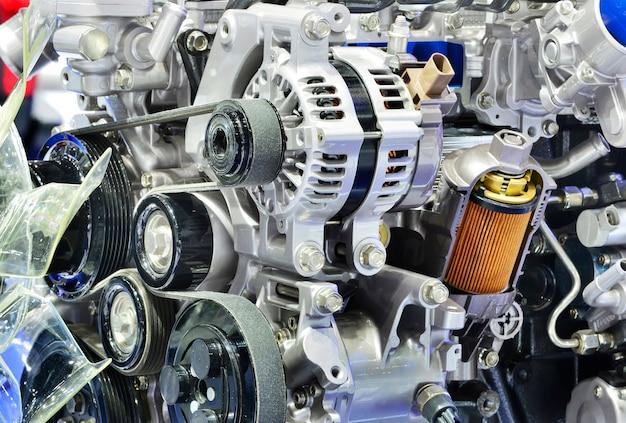 Le puissant moteur d'une voiture. conception interne du nouveau moteur.