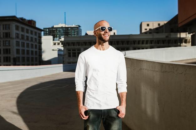 Pull blanc élégant vêtements de mode streetwear pour hommes shoot city