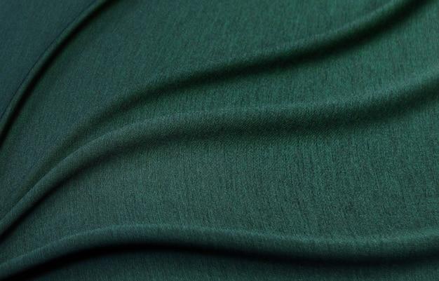 Pull vert en fil de soie cachemire