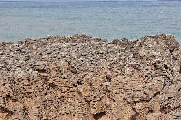 Punakaiki est pancake rocks sur l'île du sud, en nouvelle-zélande