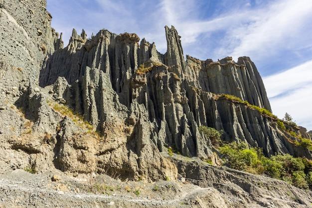Putangirua pinnacles. île du nord, nouvelle-zélande