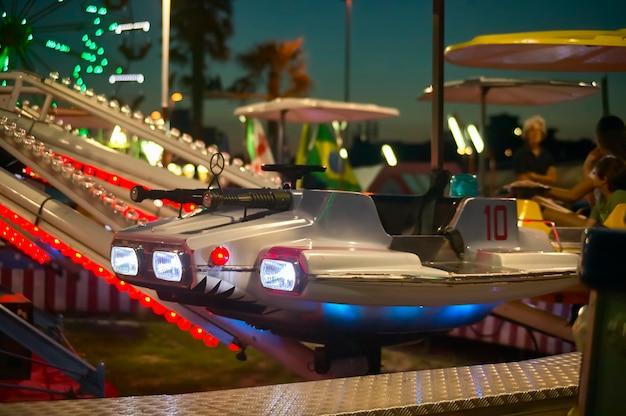 Puzzle d'avion pour enfants, détail d'un vaisseau spatial ou vaisseau spatial de ce carnaval d'enfance au parc lunaire de rosolina mare.
