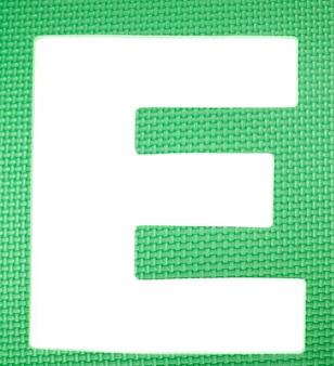 Puzzle coloré en mousse alphabet.