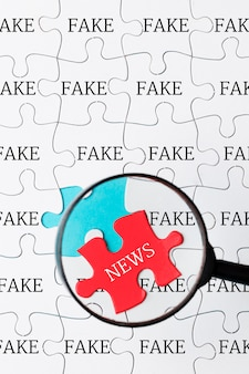 Puzzle avec de fausses nouvelles