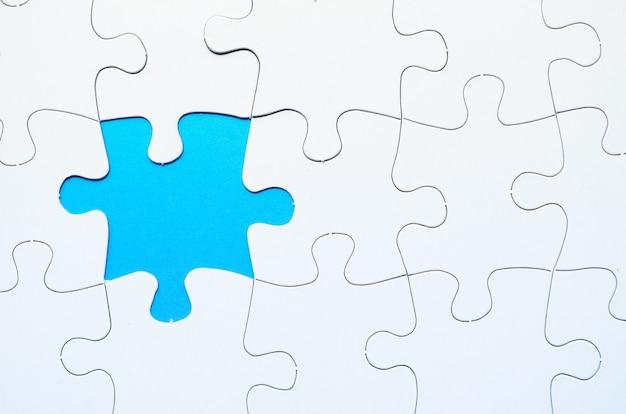Puzzle avec pièce manquante