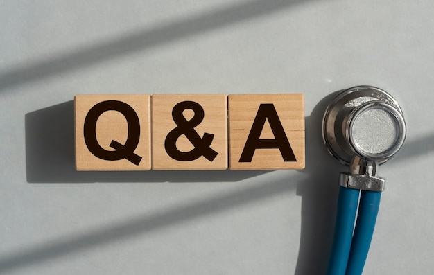 Q et un acronyme sur les questions et réponses des cubes médicaux qna