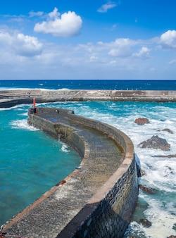 Quai de pêche de puerto de la cruz, tenerife, îles canaries, espagne