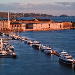 Quais du port