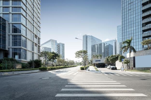 Quartier central des affaires, routes et gratte-ciel, xiamen