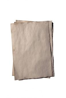 Quelques vieux morceaux vierges de manuscrit ou de parchemin en papier émietté d'époque