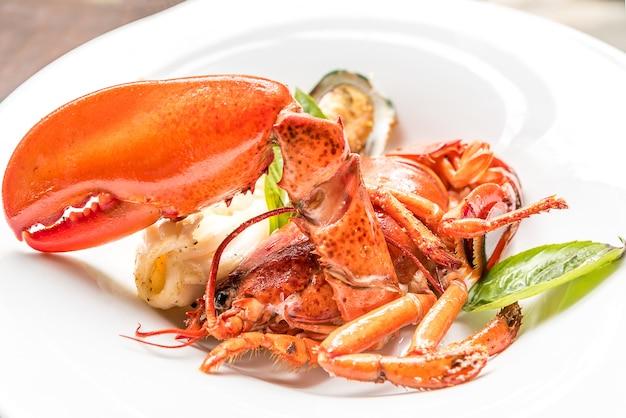 Queues de homard grillées en deux