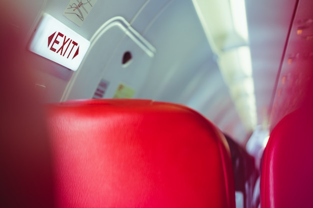 Quitter la signalisation lightbox sur avion, moyen de survivre au concept