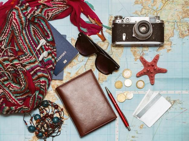 Quoi prendre pour un voyage passeport documents de téléphone clés de voiture