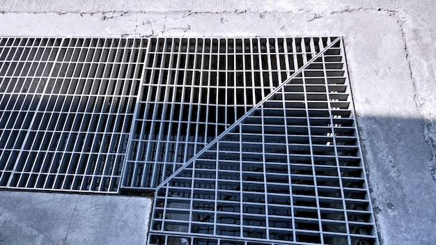 Raccord d'angle d'arrosage en acier