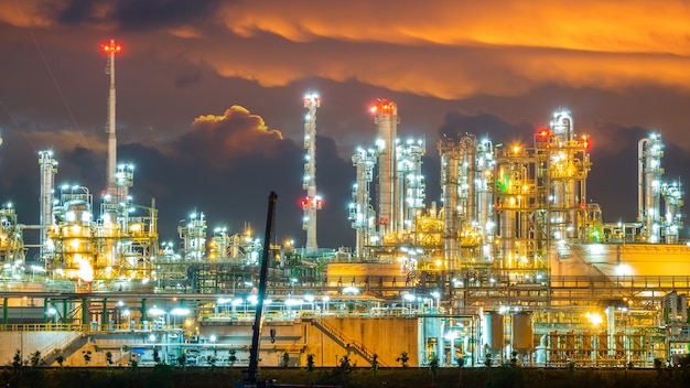 Raffinerie oli et usine à gaz